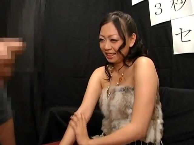 japanese girls watching guy