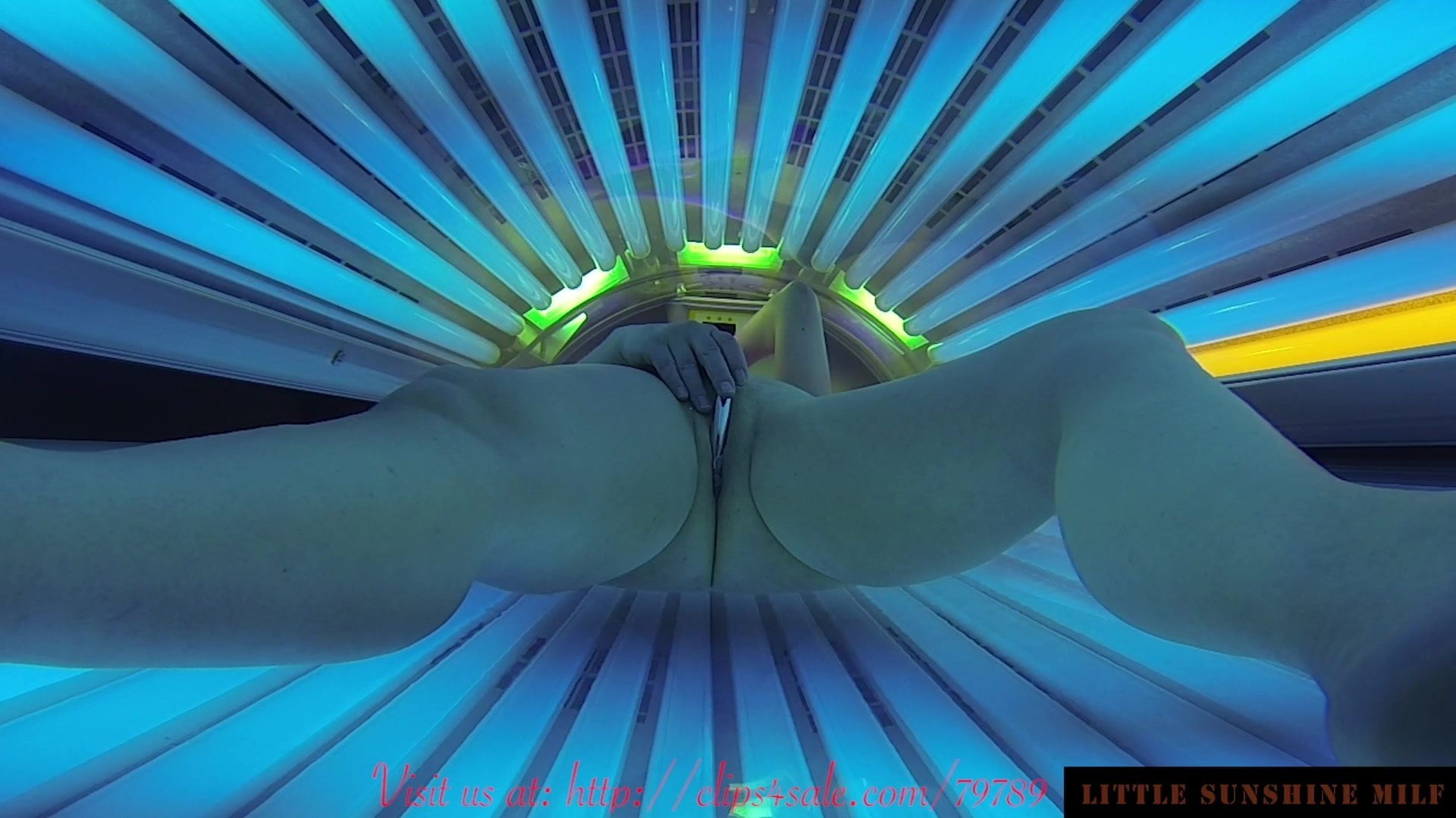 naked-tanning-bed-dildo
