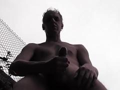 HUGE CUM IN A PUBLIC YARD - HOT HOMEMADE AMATEUR SOLO HUNK