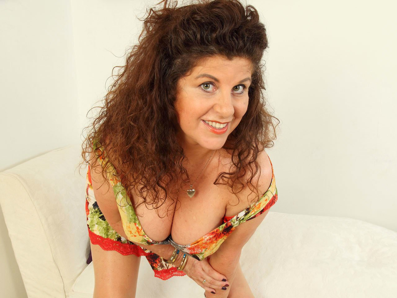 Here her gilly into milf her pushes english fanny knickers speaking