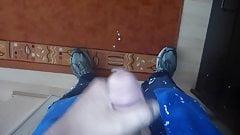 wet and messy frau zum ejakulieren bringen