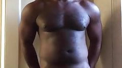 Bodybuilder jerk off