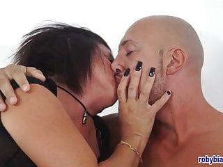 Alejandro Herman e la sua fidanzata...