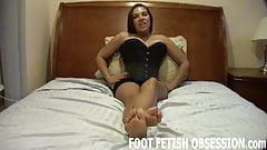 My soft little feet need to be worshiped
