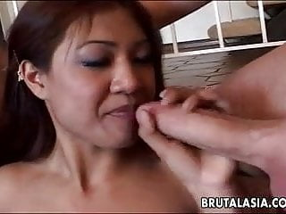 Elegant Japanese babe in a rowdy foursome
