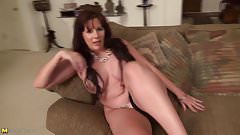 Sexy mature mom with nice tits and hot body