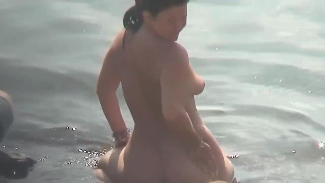 Guys on a nude beach-6839
