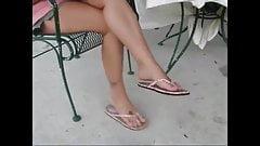Hot Flip Flop Dangling