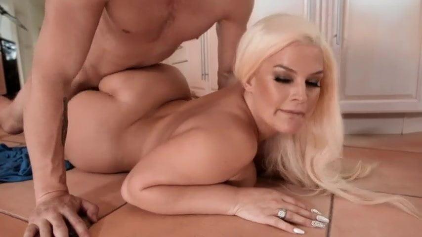 Cash Porn Video