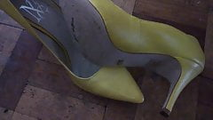 hot yellow pumps cummed