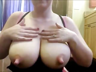 Amateur squirts delicious milk from her big udders