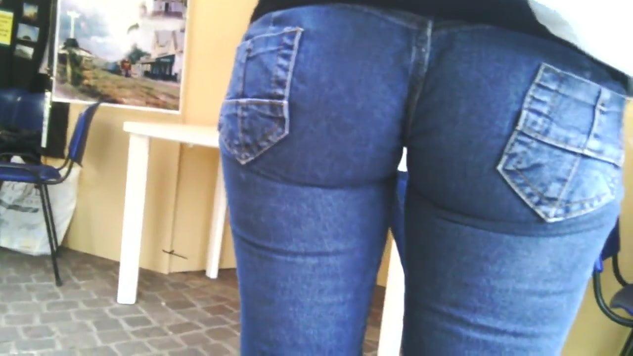 Unbelievable hot milf calzas metidas comilona