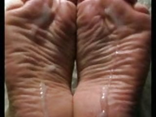 Wide Wrinkly Meaty Soles Take A Load