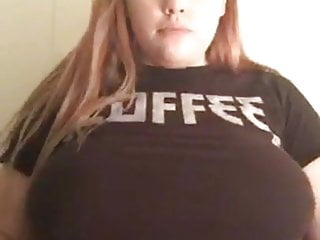 Download video bokep Teen flashes boobs while streaming on periscope Mp4 terbaru