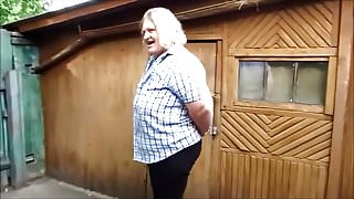 t Russian woman yard pee