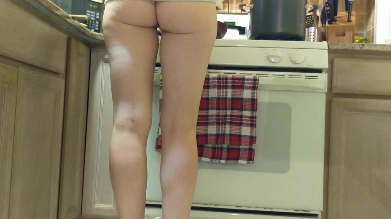 Italian milf in heels in the kitchen