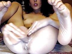 dripping wet american cam-bitch