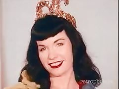 Betty Page dances to Little Egypt