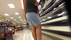 Big Bubble Shape Booty In Jeans!