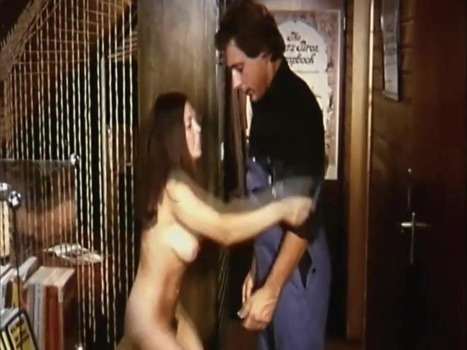 onlayn-porno-film-kazimir-silnie-orgazmi
