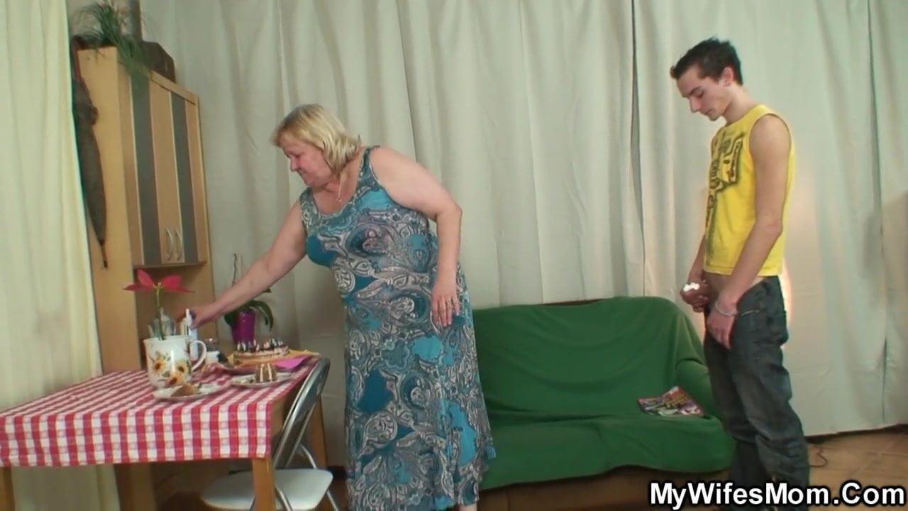 жесткий секс с русской тещей - 4