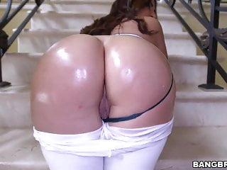 Amazing Fat Ass Julianna Vega Gets Drilled