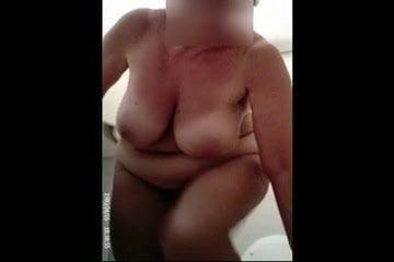 i saw my aunt nude