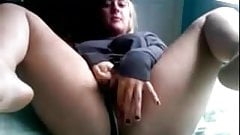Camgirl opens wide.flv