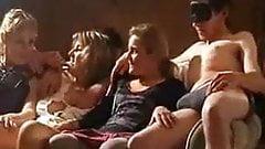 Marie la petite gazelle et deux copines en gang bang