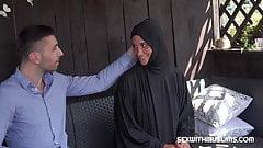 czech Muslim bitch naomi bennet left her boyfriend