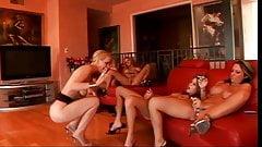 Natural lesbien sex licking