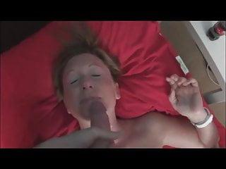 Shooting cum on a MILF's face