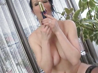 Hot white cougar loves to work her wet pussy
