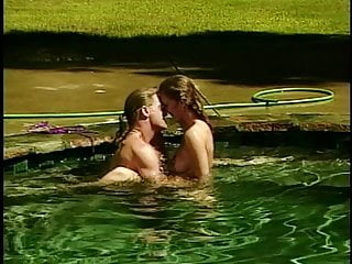 Horny couple fuck in outdoor pool