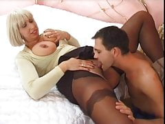Juicy Mommy 7