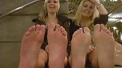 Blondes wriggling feet