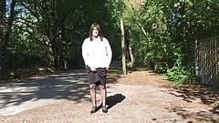 Enisa Neumann Nylon Rock und Beine