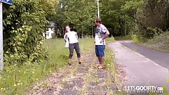 LETSGODIRTY.COM - Junges Teeen wird vom Nachbarn