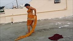 sexy bhabhi wearing saree's Thumb