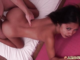 Asian Sex Diary - Sexy Filipina babe gets creampied