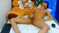 Cam Boy Cums while Ass Gets Toyed