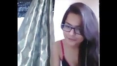 Tamil Cam Girl Swapna Showing her Asserts