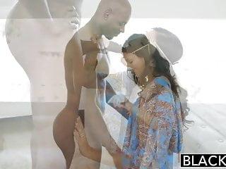 Download video bokep BLACKED First Interracial For Rich Arab Girl Jade Jantzen Mp4 terbaru