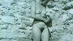 Naked booty shaking gig