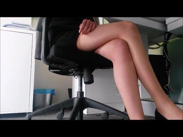 seks-skritaya-kamera-nozhki-mega