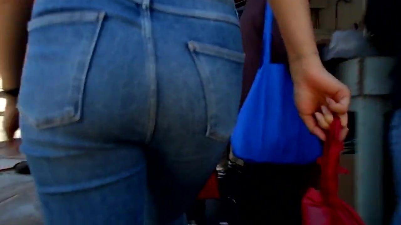 BootyCruise: Blue Denims Babe 19