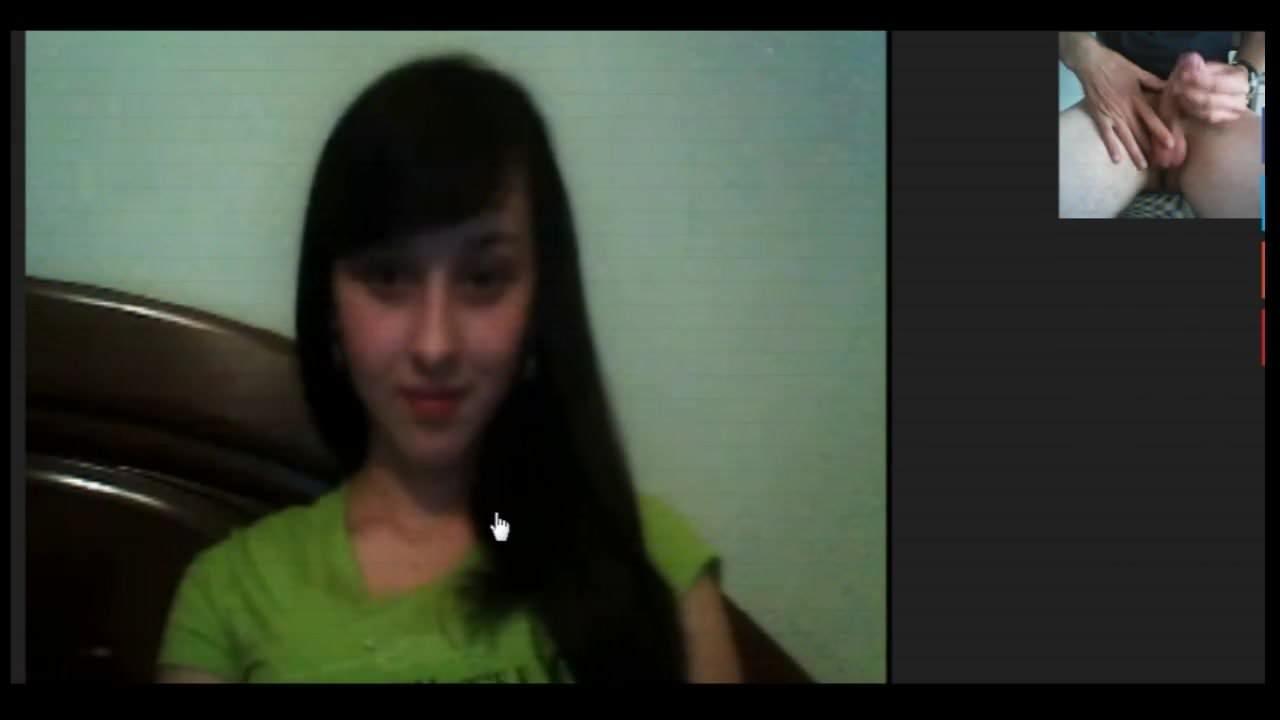 познакомила членом по вебке губы клитор