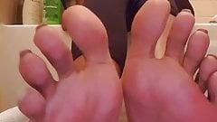 Bri oiled Feet Soles 3