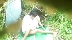 lungkondoi spycam young couple outdoor sex