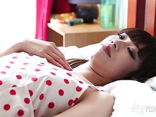 Preview 1 of Yanks Asian Amy Ling Plays With Her Twat